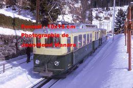 Reproduction Photographie D'un Train WAB Au Milieu De La Neige Du Chemin De Fer à Crémaillère à Wengen En Suisse 1970 - Reproductions