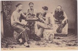China, Chine, Chinese Man Playing Cards..CPA. - Chine