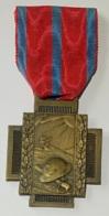 Militaria. Médaille Décoration Belge Guerre 14-18. Médaille Croix De Feu. Vuurkruismedaille - Belgique