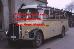 Reproduction D'une Photographie D'un Bus P.T.T à Aigle En Suisse En 1968 - Reproductions