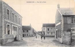 45 - DORDIVES : Rue De La Gare ( Commerces : Café Restaurant CLEMENT ... ) CPA Village (3.300 H)  Loiret Région Centre - Dordives