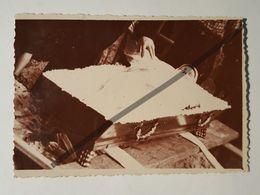 Photo Vintage. Original. Les Funérailles. Homme Mort Dans Un Cercueil. Décédé. Lettonie - Gegenstände