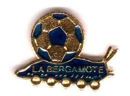 Pin's Foot Ball Escargot La Bergamote Eaf - Football