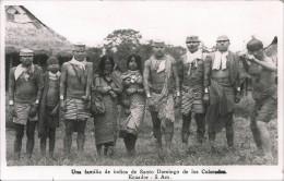 ECUADOR - SANTO DOMINGO DE LOS COLORADOS Familia De Indios Semi Nudes Nus GIRLS & MENS Postal Postcard W. Stamps - Ecuador