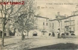 UZES PLACE DE LA REPUBLIQUE 30 GARD - Uzès