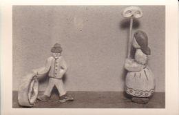 AK Foto Holzfiguren Spielzeug Autoreifen Brezel  - Ca. 1940/50   (51088) - Jeux Et Jouets
