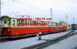 Reproduction D'une Photographie Du Chemin De Fer SPB Schynige Platte Bahn à Wilderswill En Suisse En 1972 - Reproductions