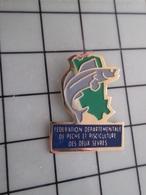 415b Pin's Pins / Rare & Belle Qualité !!! THEME : ASSOCIATIONS / FEDERATION DEPARTEMENTALE DE PECHE ET PISCICULTURE DES - Associations