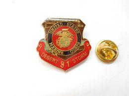 Beau Pin's , Armée Militaire , Desert Storm , Tempête Du Désert , Army US , Irak - Army