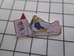 415b Pin's Pins / Rare & Belle Qualité !!! THEME : JEUX OLYMPIQUES / ALBERTVILLE SKI SLALOM - Juegos Olímpicos