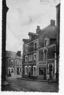 53  BAIS               L'hôtel Du Lion D'Or Et La Rue St Gemmes - Bais