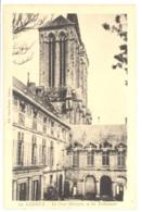 CPA 14 - 13. LISIEUX - La Cour Matigon, Et Les Tribunaux - Lisieux