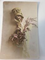 Carte Postale Authentique Enfant Colorisee Siècle Dernier - Portraits