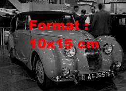 Reproduction D'une Photographie Ancienne D'une Lagonda 2.5 L Saloon à Un Salon De L'automobile En 1949 - Reproductions