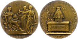 Frankreich, Bronzemedaille (Dm. Ca. 57,40mm, Ca. 94,24g), 1934, Von J. C. Chaplain. Av: Sitzende Weibliche Gestalt Davor - Monedas