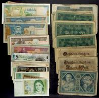 Lot Von 41 Banknoten Mit Schwerpunkt Deutschland. Dabei Aber Auch Ausgaben Aus Aller Welt. - Banknoten