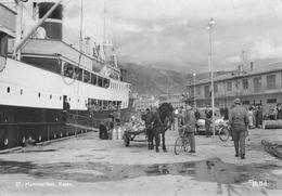 "010727 ""MITTET - HAMMERFEST KALEN""  ANIMATA, NAVE, AUTO, BICICLETTE, CARRO, CAVALLO, TIMBRO POSTINO.  CART  SPED 1959 - Norwegen"
