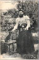 88 THAON - Madame Delait Dans Son Jardin - Thaon Les Vosges