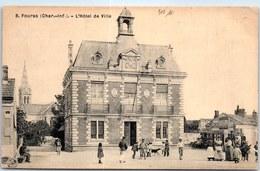 17 FOURAS - L'hotel De Ville. - Quedlinburg