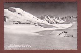 Graubünden - OBERALP Passhöhe - Restaurant Piz Calmot - Viel Schnee - GR Grisons