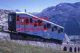 Reproduction D'une Photographie Du Funiculaire De Corviglia Montant à St-Moritz En Suisse En 1971 - Reproductions