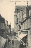 CPA 85 Vendée Sables D'Olonne Rue Des Halles Epicerie Benard Ramon - Ancel Horloger - Sables D'Olonne