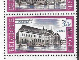1305-V En Bloc De 2 Timbres Coin De Feuille - V  Point Derrière Le N De PAND  - T17 (Alb. Noir N° 17) - Varietà E Curiosità