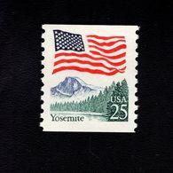 1035715888 SCOTT 2280 POSTFRIS MINT NEVER HINGED EINWANDFREI - YOSEMITE AND FLAG - United States