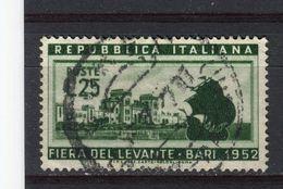 ITALIE - Y&T N° 633° - Foire Du Levant - 1946-.. République