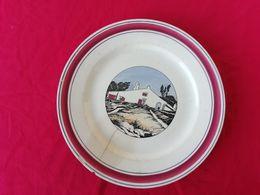 Assiette En Céramique Dessinée Par Louis Floutier Dans Les Années 20 - Céramiques