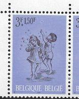 1401-V En Paire Coin De Feuille - V Bulle Supplémentaire P4 - T1 (Alb. Noir N° 19) - Varietà E Curiosità