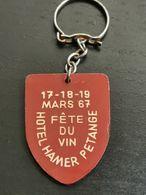 Porte Clé, Hôtel Hamer Petange. Amicale Sportive C. F. L. 1967 - Jetons & Médailles