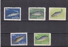 Corea Del Norte Nº 395 Al 399 Con Charnela - Corea Del Norte