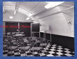 Photo Ancienne - PARIS - Hôpital LARIBOISIERE - Salle De Conférence - Mai 1965 - Medical Médecin Infirmiere Decor Deco - Objets