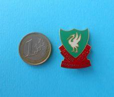 LIVERPOOL FC - England Football Soccer Club LARGER Pin Badge Fussball Anstecknadel Calcio Futbol Futebol British - Calcio