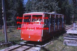 Reproduction D'une Photographie D'une Vue Du Funiculaire MMB De Pontresina En Suisse En 1971 - Reproductions