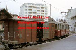 Reproduction D'une Photographie D'un Wagon En Bois De Chargement AOMC Chemin De Fer à Crémaillère En Suisse En 1968 - Reproductions