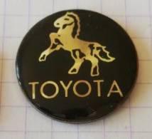 Pin's - Toyota - Cheval ( Pur Sang, Etalon ) - Toyota
