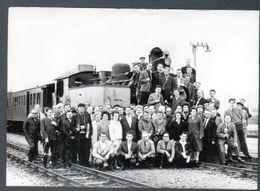 Chemin De Fer, F.A.C.S. Reseaux Bretons, Photo Originale De Groupe, 15 Et 16 Mai 1965 - Trains