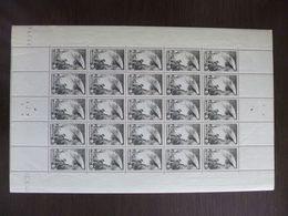 """Erinnophilie. Feuille Entière De Vignettes + D'autres """"Pour Nos Victimes De La Guerre"""" + Mutualité Postale. 1940 - 1945 - Cinderellas"""
