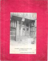 LES ANDELYS - 27 - Hostellerie Du Grand Cerf -  Cour Et Escalier D'Honneur - GIR - - Les Andelys