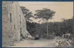 De LA BAULE à SAILLE - Un Coin Du Château De Careil - France
