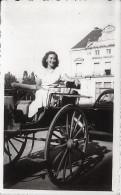 Pin Up WOMEN FEMMES On A Cart Chariot By The Mont De Marsan LANDAS France - Vernacular Photo 11x6cm 1940' - Pin-up