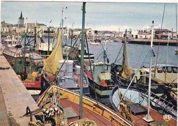85. LES SABLES D'OLONNE. LE PORT. ANNÉE 1977+ TEXTE - Sables D'Olonne