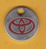 Jeton De Caddie En Métal - Toyota - Ets Claverie à Mont-de-Marsan (40) - Automobiles - Jetons De Caddies