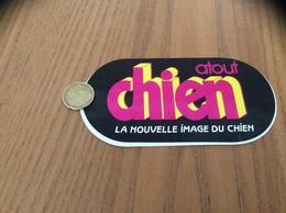 AUTOCOLLANT, Sticker «atout Chien - LA NOUVELLE IMAGE DU CHIEN» (Magazine) - Adesivi