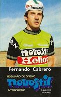 PETIT CARTE CYCLISME FERNANDO CABRERO TEAM NOVOSTIL 1979, FORMAT 5 X 7,7 ( PARTIE ARRIERE DETERIORÉE, VOIR PHOTO ) - Cyclisme