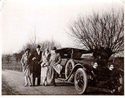 Photo Originale Famille Et Torpédo Mercedes Au Bord De La Route Vers 1920/30 - Mercedes Type 28/95 Ou  Type 400 1925 - Auto's