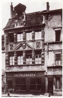 Dijon. Maison Des Cariatides (carratides Au Dos De La Carte). Magasin D'ameublement. - Dijon