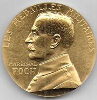 Maréchal FOCH - Médaille En Bronze Doré - Médailles & Décorations